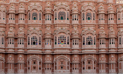 Hawa Mahal Jaipur Closeup I100 18mm f5.6 s200 -2/3EV AP Evaluative Metering (mahesh.kondwilkar) Tags: 2009 hawamahal jaipur rajasthan ranthambhore incredibleindia india