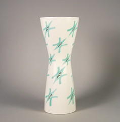 Poole Pottery 'Freeform' Vase 'Green Stars' (719/FST) Pattern 1950s 12.5'' (Psychoceramicus) Tags: uk art modern century studio stars book ceramics pattern fifties hand books bowl retro pots glaze cast 1950s dorset 1958 vase pottery slip 50s collectables bowls mid poole collectibles vases ravioli decorated thrown mcm freeform jardiniere glazes poolepottery ruthpavely guysydenham alfredread annread
