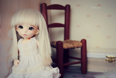 Victoria~ (~~ Oshua~~) Tags: house cute green face hair eyes doll victoria collection blond bjd diorama ante poupe jointed balljointeddoll jall crobidoll pukife