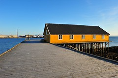 A yellow store house (GeirB,) Tags: yellow norway pier nikon norwegen quay noruega gps nikkor storehouse nordnorge finnmark vads northnorway gp1 varanger