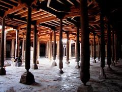 Juma Mosque, Khiva (tom_2014) Tags: city urban building tourism architecture asian asia timber islam pillar landmark courtyard mosque tourist silkroad column uzbekistan centralasia islamic urgench khiva jumamosque islamicarchitecture mesjid juma uzbek mesjidjuma