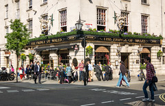 London, England (Ricardo_Santos) Tags: england london pub princeofwales englishlife