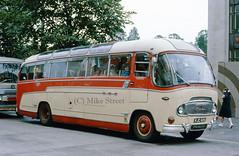 2MG_ThomasTonteg_1976_KJC686_B04588c2 (Midest_pics) Tags: commeravenger duple thomastonteg redgaragesllandudno royalredcoachesllandudno kjc686