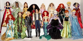 My Disney Store Limited Edition 17'' Doll Collection As of 2013-11-16 - 17 Heroes, Heroines and Villains From Snow White to Frozen