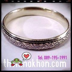 กำไลถมเงิน ขนาด1cm @ถมนคร อนุรักษ์งานทำมือ:089-195-1991กำไลถมเงินแบบโบราณ โดยสกุลช่างถมเมืองนคร  www.thomnakhon.com  #กำไลถมเงิน  #ถมนคร #handmade #nielloware #bangle 