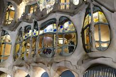 Casa Batló (Luxbao) Tags: barcelona gaudí modernism night shot window spain cataluña