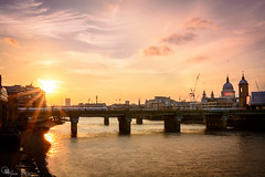 """Sunset (Ipotx Photo """"""""Thanks for the 1000 followers!!!"""""""") Tags: london londres sunset atardecer sky cielo nubes clouds sun sol river rio"""