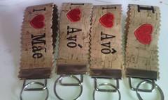 Porta chaves (leonilde_bernardes) Tags: cortiça bordados lembranças presentes pai avo mae tio embroidery enxovais bebes gift cadeaux