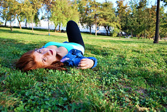 DSC_0311 copia (daniel_soprole) Tags: mujer exterior exteriores mujeres modelo shooting verde green redhead pelirroja ojos