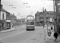 Nottingham 521 at Carlton Post Office (Lady Wulfrun) Tags: ktv521 521 wollaton caltonhill carltonroad nottingham gedling nct trolleybus carltonpostoffice but 39 route service 1960s