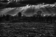Rays after Storm (Klaus Ficker --Landscape and Nature Photographer--) Tags: rays raysintheclouds storm cloud field farm usa kentucky frankfort kentuckyphotography klausficker canon eos5dmarkiv