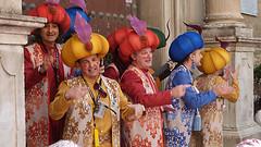 CHIRIGOTA LOS SULTANES RESULTONES (CARLOS CALAMAR) Tags: carnival carnaval cadiz andalucia disfraz mask chirigota callejera ilegal cantante singers