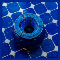 Ashes to Ashes (toletoletole (www.levold.de/photosphere)) Tags: fujixt2 marokko zagora morocco aschenbecher tisch ashtray blue table blau