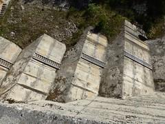 Eugi, Navarre, Espagne: barrage sur l'Arga. (Marie-Hélène Cingal) Tags: espagne españa spain navarre navarra eugi escaleras escaliers scala treppen stairs