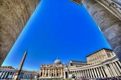 Basilica S.Pietro (giannipiras555) Tags: basilica chiesa roma colonne fontana vaticano piazza cupola italia
