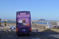 Queen Mary 2 pic 3-Enjoy the Show (Transport Pics from Timbo) Tags: bus cadburys queenmary2 cunard cruiseliner dublinbus dunlaoighre av138