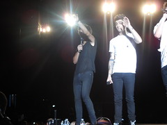 One Direction, Hershey, PA 7-5-13 (lydiaouellette) Tags: pictures show boy summer irish home me boys one louis michael concert mine tour 5 luke australian band harry direction bands liam take styles hood british hq ashton clifford malik payne seconds calum irwin niall tmh hemmings horan tomlinson zayn 2013 onedirection michaelclifford tmht harrystyles louistomlinson zaynmalik liampayne niallhoran 5sos lukehemmings calumhood ashtonirwin