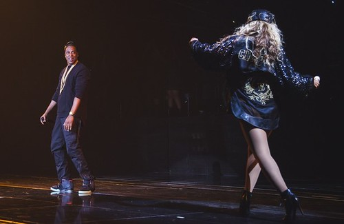 Video Beyonce brings out Jay-z to perform tom ford at her concert in NY
