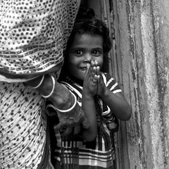 Oh! Kolkata....Namaste from the slum (New Delhices) Tags: india kolkata slum namaste kidsoftheslums