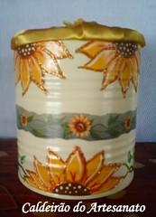 Lata pintada a mão (Caldeirão do Artesanato) Tags: portatreco decoupagem latadecorada artesanatoemlata reciclandolata