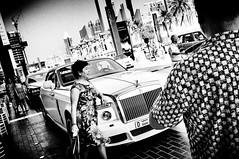 Fragments of Dubaï (KATANGA67) Tags: street people blackandwhite bw photography photo noiretblanc photos streetphotography nb fujifilm mois février 2014 x100 dubaï fujifilmx100 fujix100