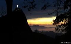 Amanhecendo no Rio de Janeiro (mariohowat) Tags: riodejaneiro sunrise natureza cristoredentor noturna nascerdosol paineiras morrodosumar mygearandme mygearandmepremium mygearandmebronze mygearandmesilver mygearandmegold mirantesriodejaneiro infinitexposure