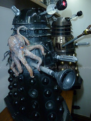 18 RC.. Still Talking Exposed Damaged Commissioned Dalek, Made by Professional Model Maker Simon John Osbourn (Rob. Hull World Record Holder for most Daleks) Tags: who dr doctor doctorwho drwho dalek davros daleks