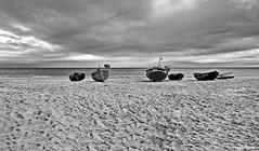 Fischerboote am Strand (garzer06) Tags: wasser wolken himmel deutschland baabe mönchgut boote ostsee strand strandsand ostseestrand vorpommernrügen naturephotography landschaftsbild inselrügen landschaft insel landschaftsfoto rügen mecklenburgvorpommern naturfotografie vorpommern landscapephotography landschaftsfotografie
