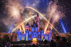 Disney Fireworks (3dgor 加農炮) Tags: disneyland hongkongdisneyland disney castle fireworks fujifilm gfx 63mm