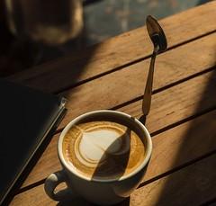L'impossibile non esiste (vale.rizze89) Tags: roma milano valeweb89 welevitate 50mm levitation levitazione arte espresso caffè coffee legnano cappuccino latteart