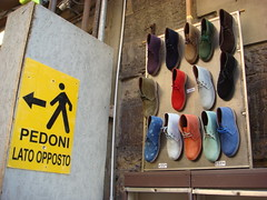 """""""Pedoni Lato Opposto"""" (maxrevellation) Tags: sign shoes boots colours colors street streetphotography urban humor humour style fashion clothes footwear florence firenze toscana tuscany italy italia"""