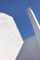 Dodecaedro (Eduardo Valero Suardiaz) Tags: azul blue torroja white blanco chimney dodecahedron dodecaedro chimenea csic ietcc instituto eduardo institutoeduardotorroja madrid espaãƒâ±a