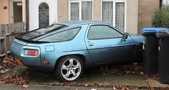 HSV 953 (Nivek.Old.Gold) Tags: 1985 porsche 928 s2 auto 4664cc