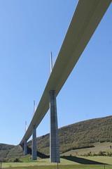 Viaduc de Millau (12) (SMartine ♫♫) Tags: martinesodaigui viaduc millau 12 aveyron viaducdemillau