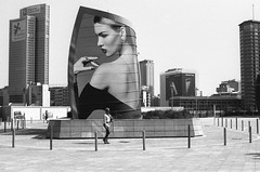 Milano (Valt3r Rav3ra - DEVOted!) Tags: nikonf90x nikon milano bw biancoenero blackandwhite valt3r valterravera visioniurbane urbanvisions streetphotography street ilfordhp5 analogico analog analogue ilford