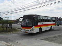 JB Lan Express (Monkey D. Luffy ギア2(セカンド)) Tags: isuzu bus mindanao philbes philippine philippines photography photo enthusiasts society road vehicles vehicle explore