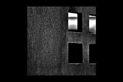 _2010.07.15 - 065-2-2-R. Bilbao. (David Velasco.) Tags: abstracto bilbao negro