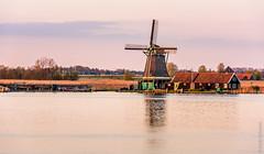 Sunset @ Zaanse Schans (NL) (Henk Verheyen) Tags: lente nl nederland netherlands spring zaanseschans zaanstad buiten landscape landschap molen outdoor windmill windmolen zaandijk noordholland sunset zonsondergang