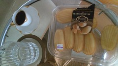 (clascaris) Tags: desertbreakfast coffee madeleines delicious water purdy eileengray