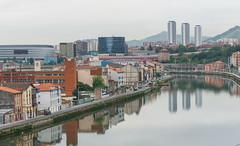 Reflejos urbanos (Txulalai) Tags: bilbao bizkaia ria nervión agua arquitectura urbana paisaje landscape reflejos reflec sonya6000 sonyilce6000 sony sonyalpha6000