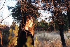 (intivisible) Tags: film 35mm analog analogic analógica prakticamtl3 proimage100 portrait retrato perfil profile sunset atardecer woods bosque campo country tree árbol branches ramas man hombre longhair cabellolargo