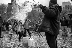 Washington Square Park - NYC (RobMatthews) Tags: newyork parks ballons manhattan washingtonsquarepark children playing bw monochrone street