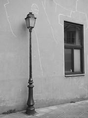 Improbable réverbère (Marc Fievet) Tags: waterloo lampe luminaire lampederue éclairage rue street