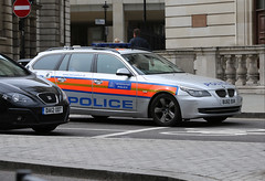 Met Police CJB (kenjonbro) Tags: uk london silver estate trafalgarsquare bmw charingcross touring stationwagon sw1 5series metropolitanpolice cjb metropolitanpoliceservice worldcars kenjonbro bu60bxk canoneos5dmkiii canonef70200mm128l1siiusm