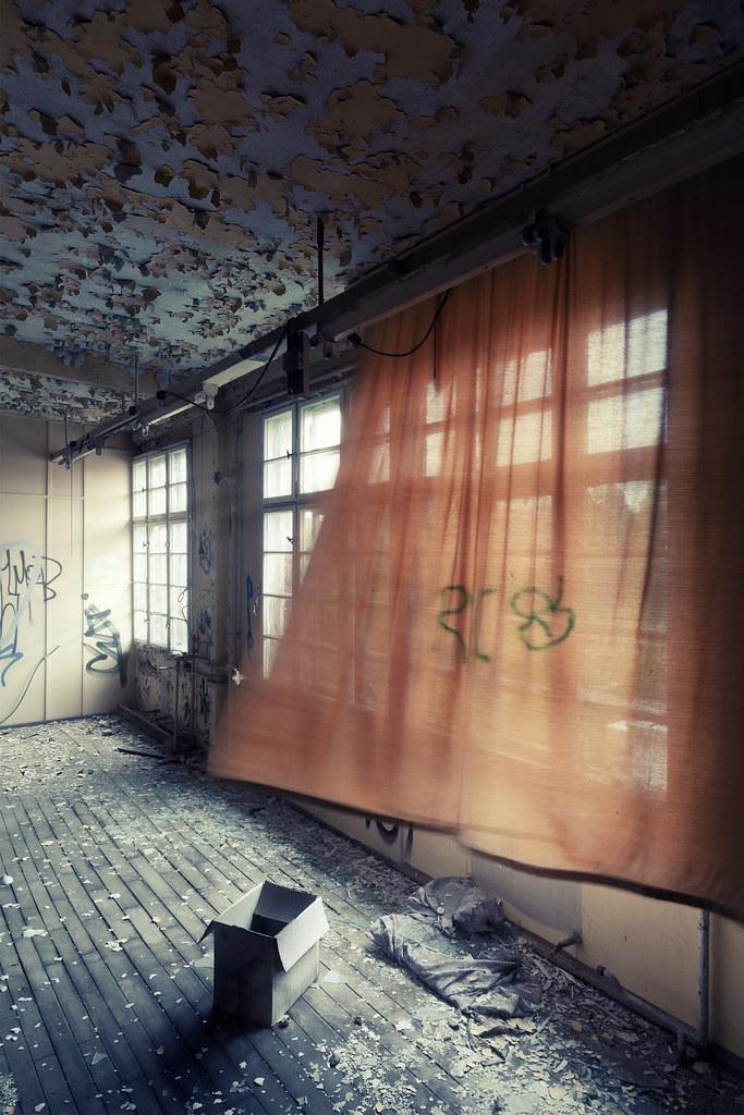 the world 39 s best photos of fenster and wind flickr hive mind. Black Bedroom Furniture Sets. Home Design Ideas