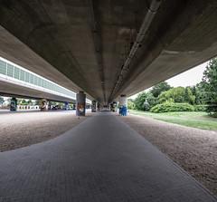 Brcke Ludwigsfelde (ilberu) Tags: brcke beton weitwinkel fluchtpunkt brckenpfeiler