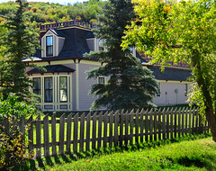 House with Fence (Colorado Sands) Tags: house home fence architecture yampa colorado structure fences hff america us usa sandraleidholdt smalltowns woodfences toponascounty arquitectura architektur woodfence picketfences building