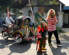 Mini Reog (Prayitno / Thank you for (10 millions +) views) Tags: street indonesia java dance costume traditional small mini dancer parade east celebration motor local malang performers performer jawa timur becak minature sumber pucung reog ponorogo pentil motorize konomark reyog tandak pentul