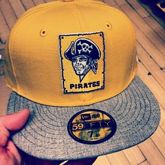 """Me and @jaimeeerinn are ready. #buccos • <a style=""""font-size:0.8em;"""" href=""""https://www.flickr.com/photos/62467064@N06/12888954025/"""" target=""""_blank"""">View on Flickr</a>"""
