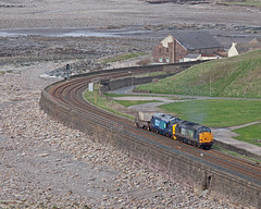 Pebble Dashed! (Richie B.) Tags: english electric flask nuclear rail class cumbria british 37 services direct parton fna drs 37405 37604 6m60